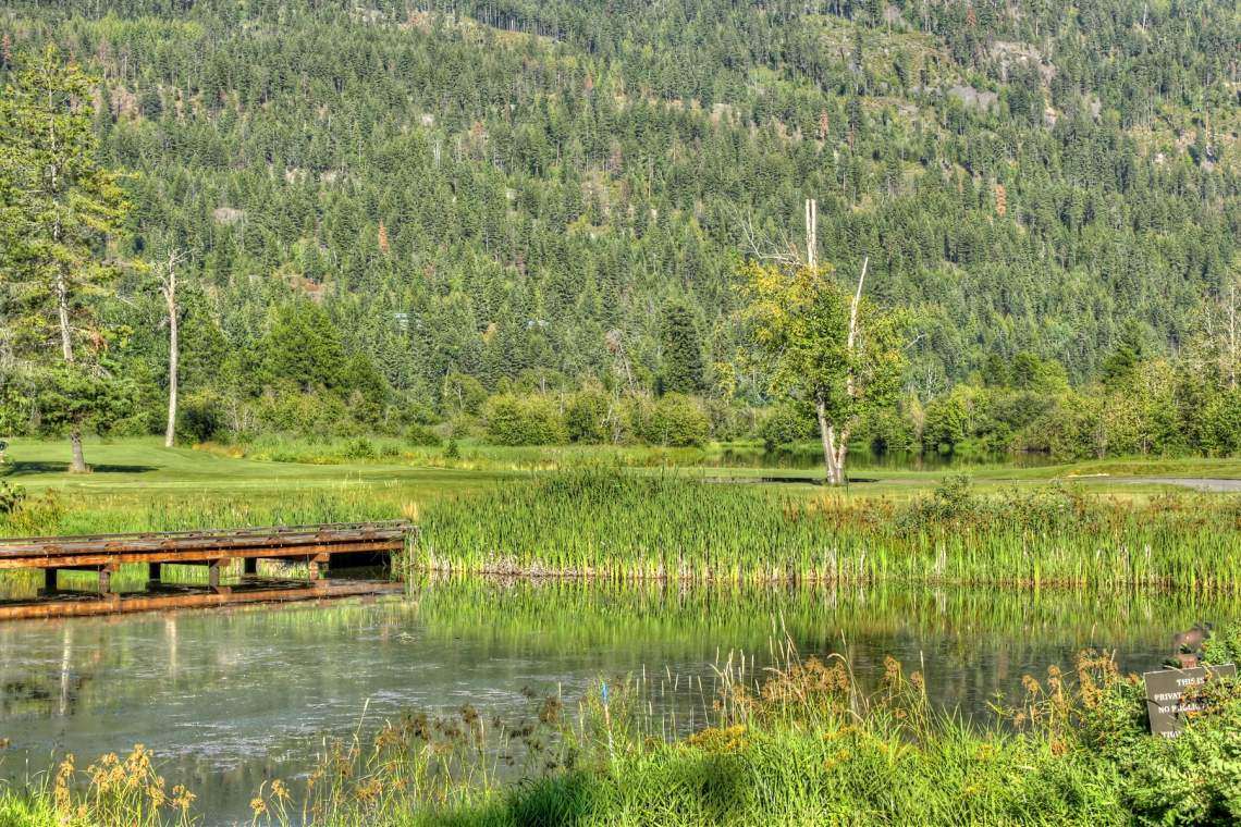 036 Scenic beauty along the fairways